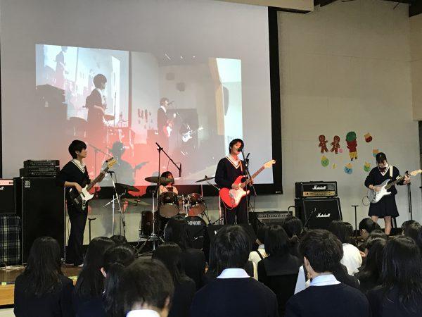 軽音楽部・国際学院高校主催合同ライブで演奏