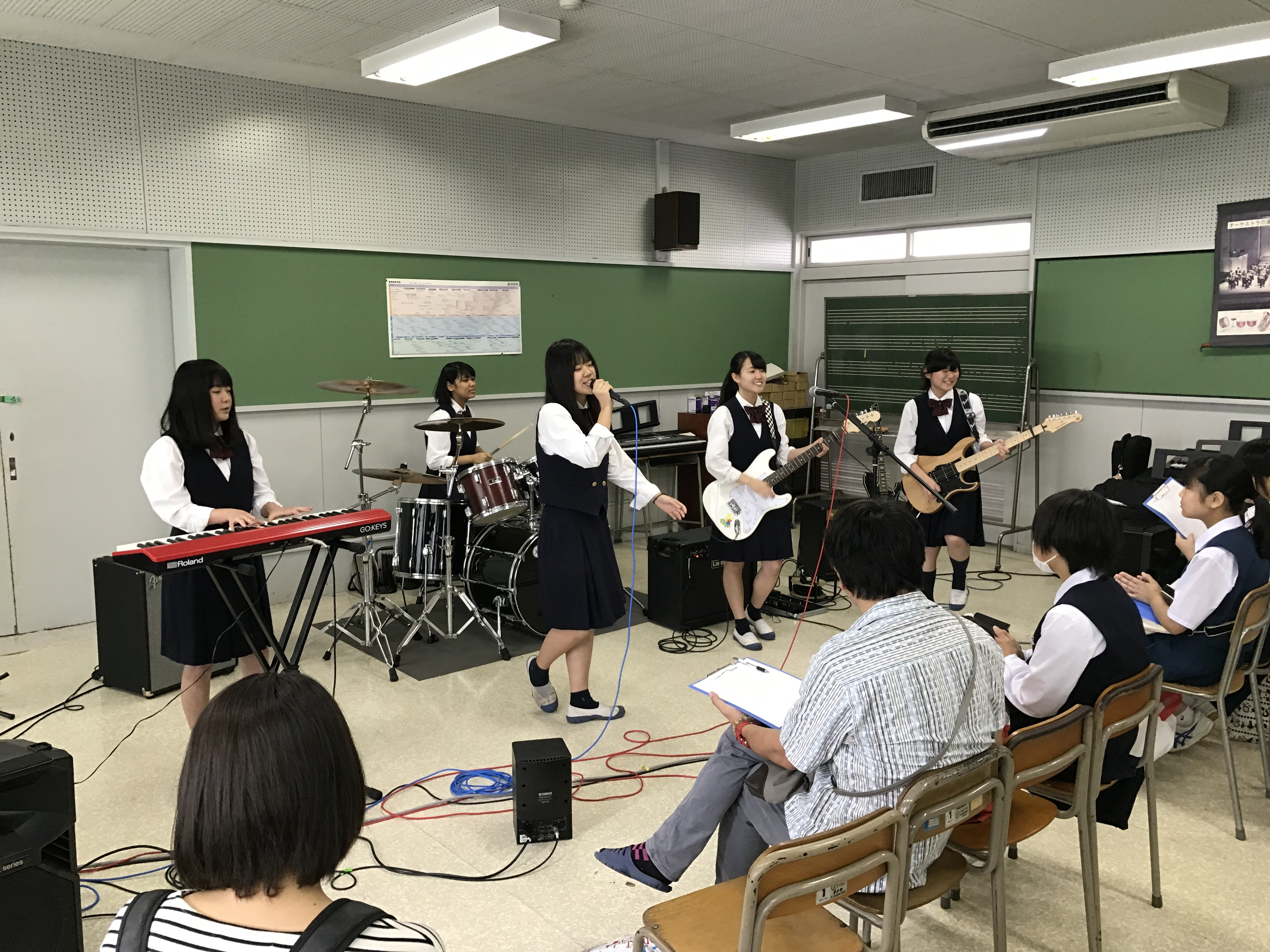 軽音楽部・オープンキャンパス来場者向けライブ演奏