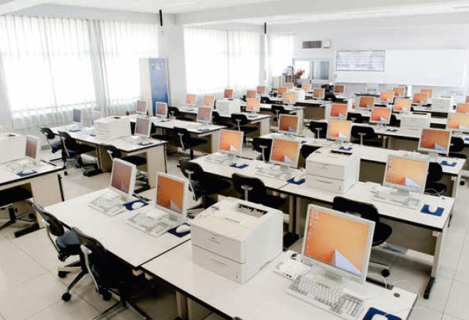 情報処理室の画像